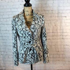 Dressbarn floral blazer w lg round collar & belt
